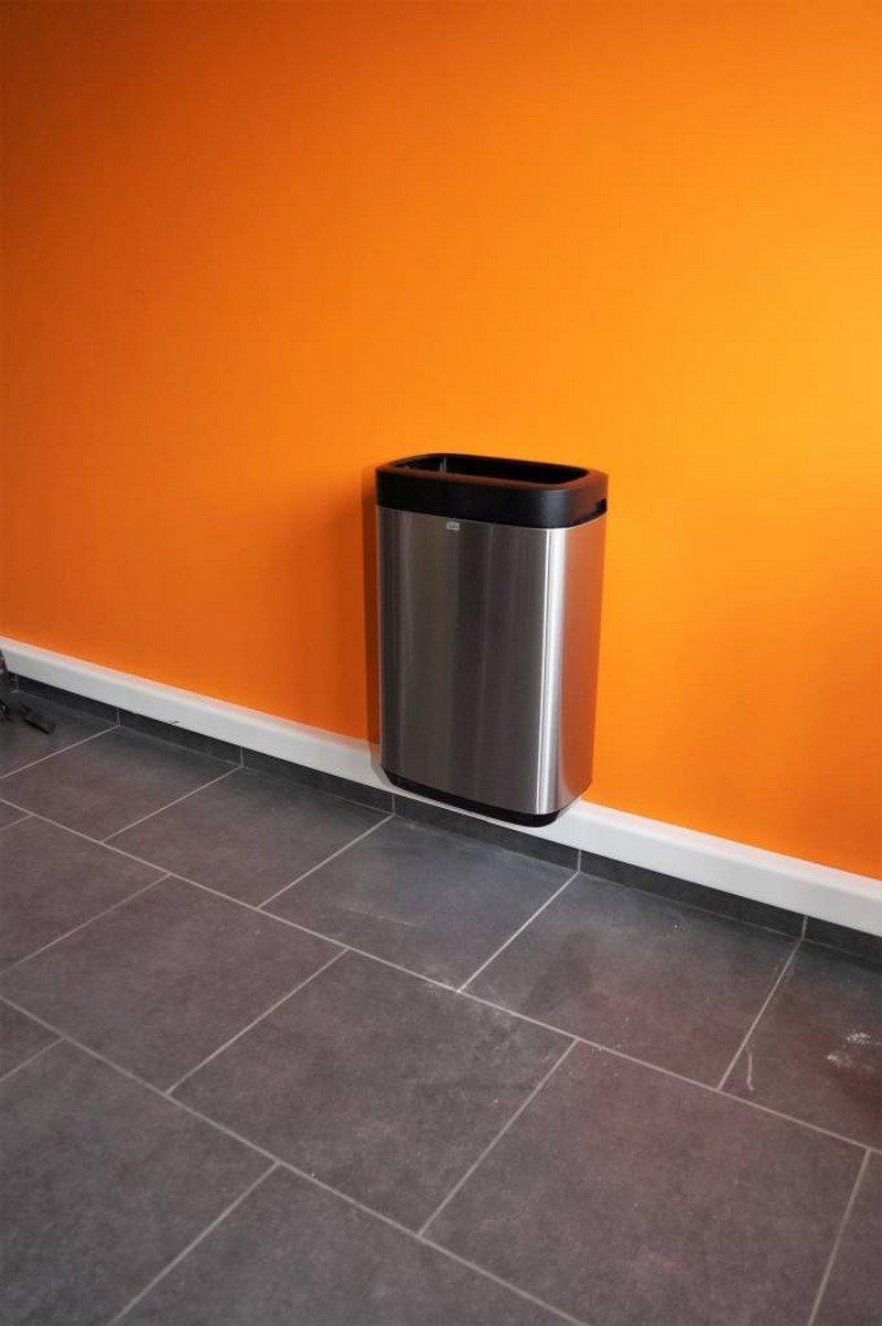 Laurenty Facility - Installation d'une poubelle