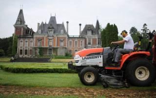 Travaux de tonte - Château