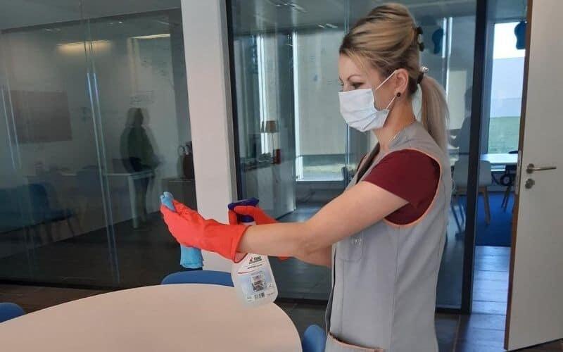 Service de nettoyage de maison de repos avec Laurenty