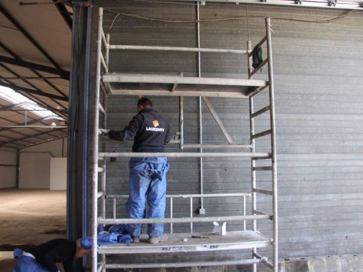 Travaux de peinture d'un bâtiment - après